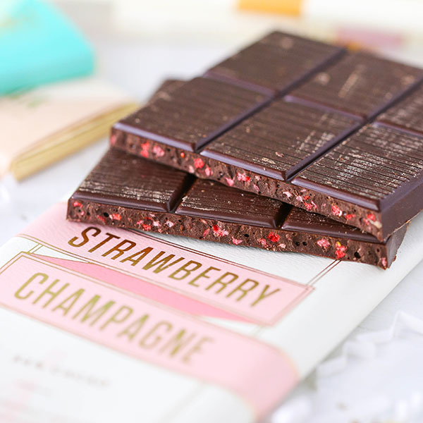 Lolli and Pops Gift Box - Strawberry Champagne Chocolate Bar