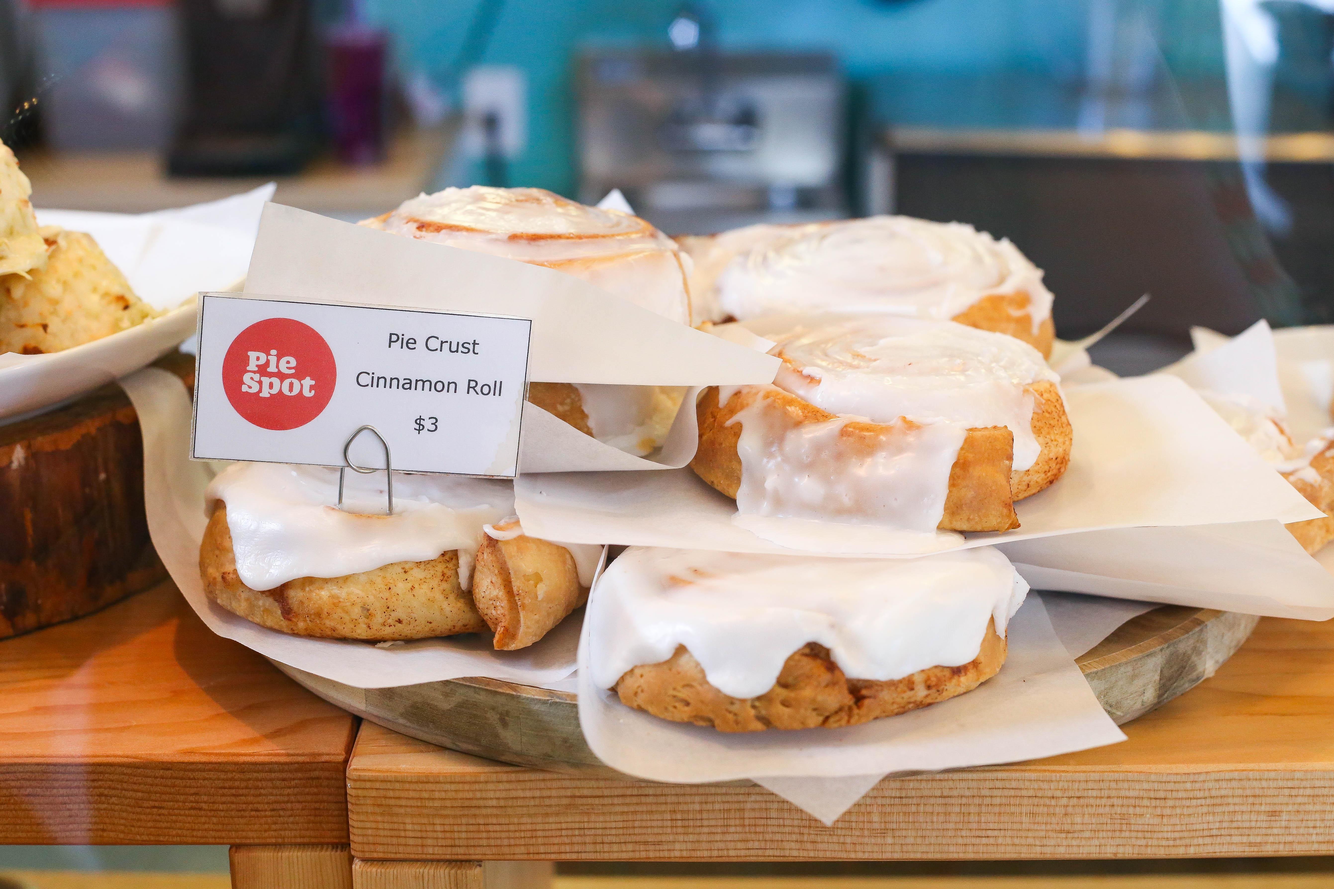 portlant-dessert-pie-spot-cinnamon-roll